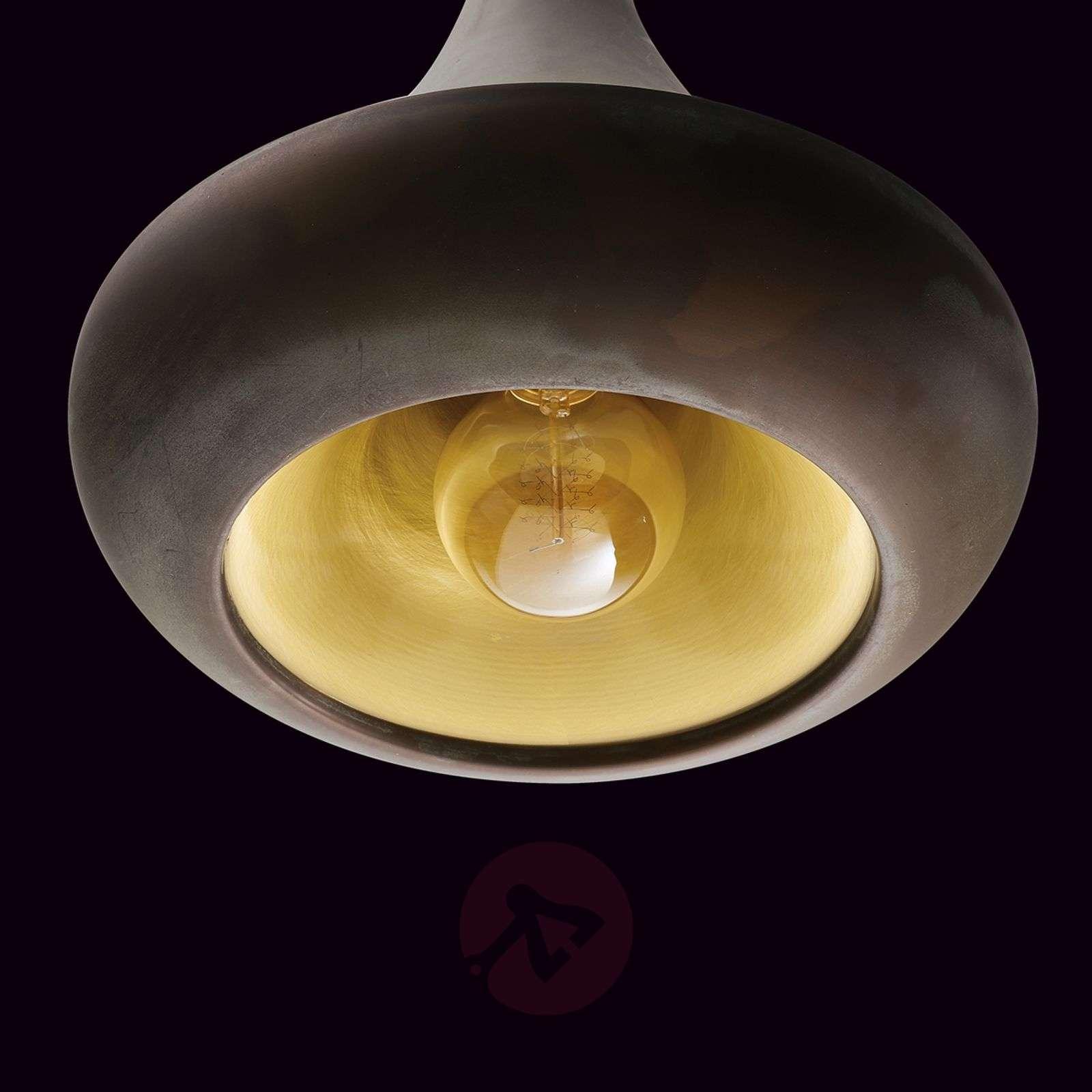 Abbe wall light with stylish brass finish-6515313-01