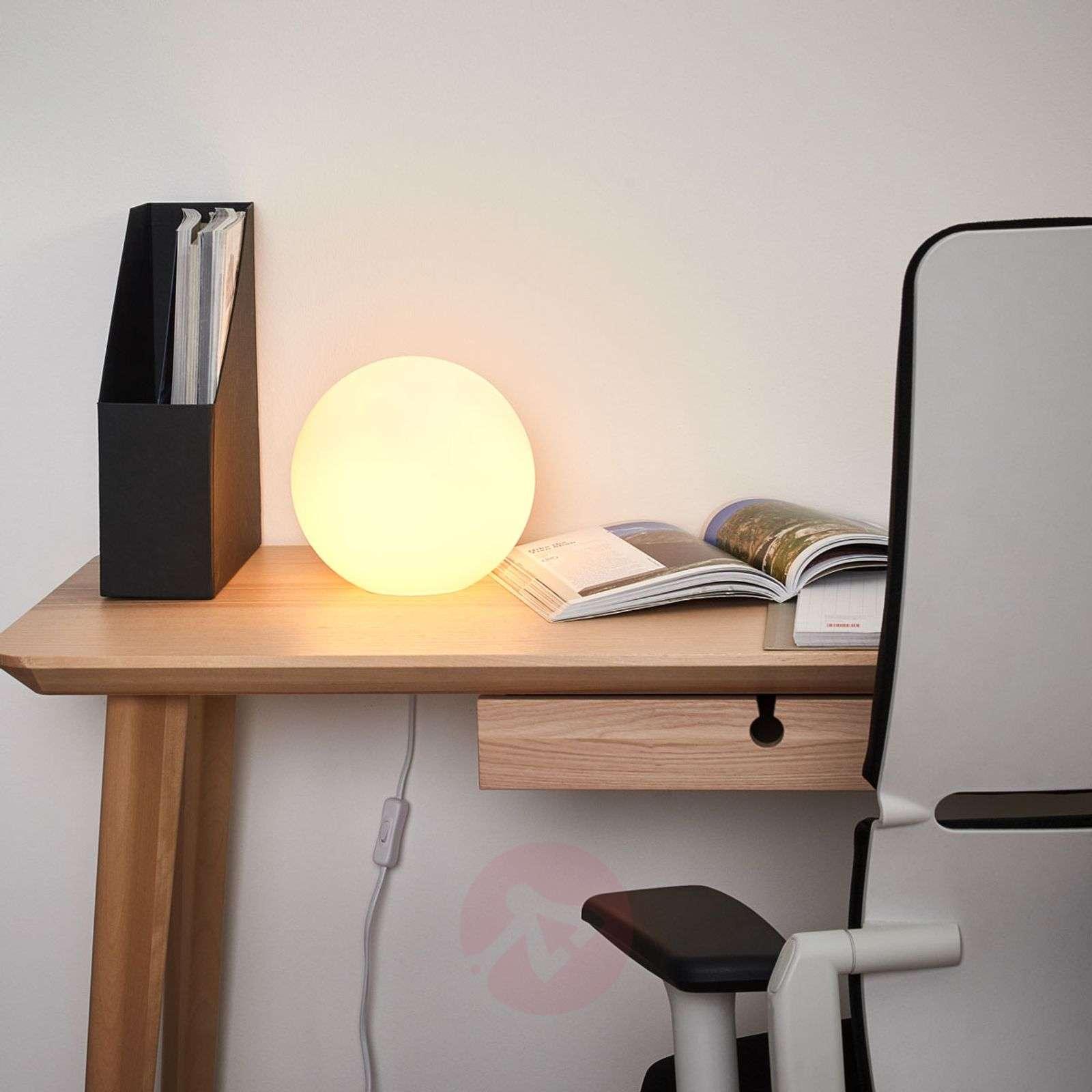 Ball shaped table lamp KIIA-7500216-01