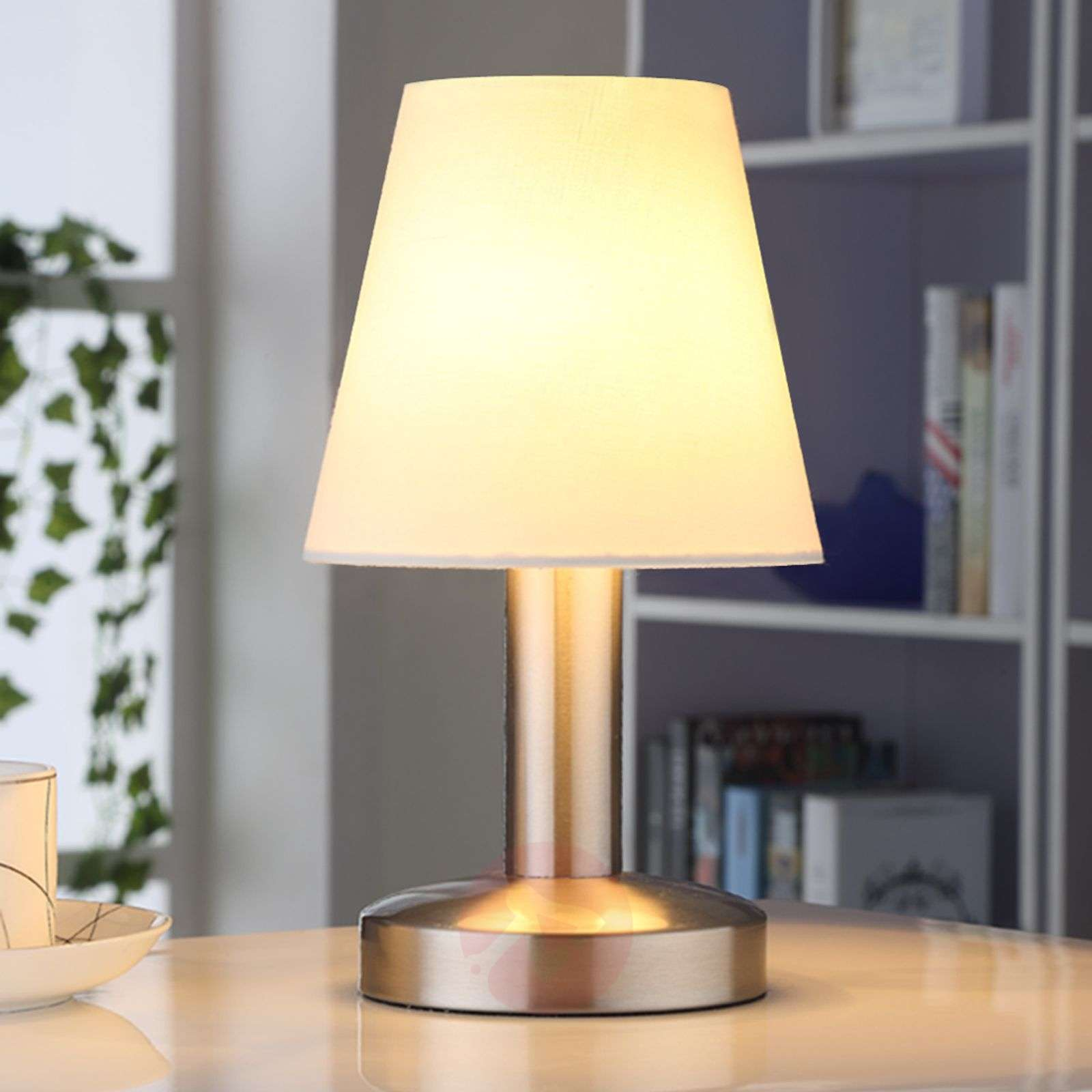 Bedside table lamp Hanno w. white fabric lampshade-9620810-01