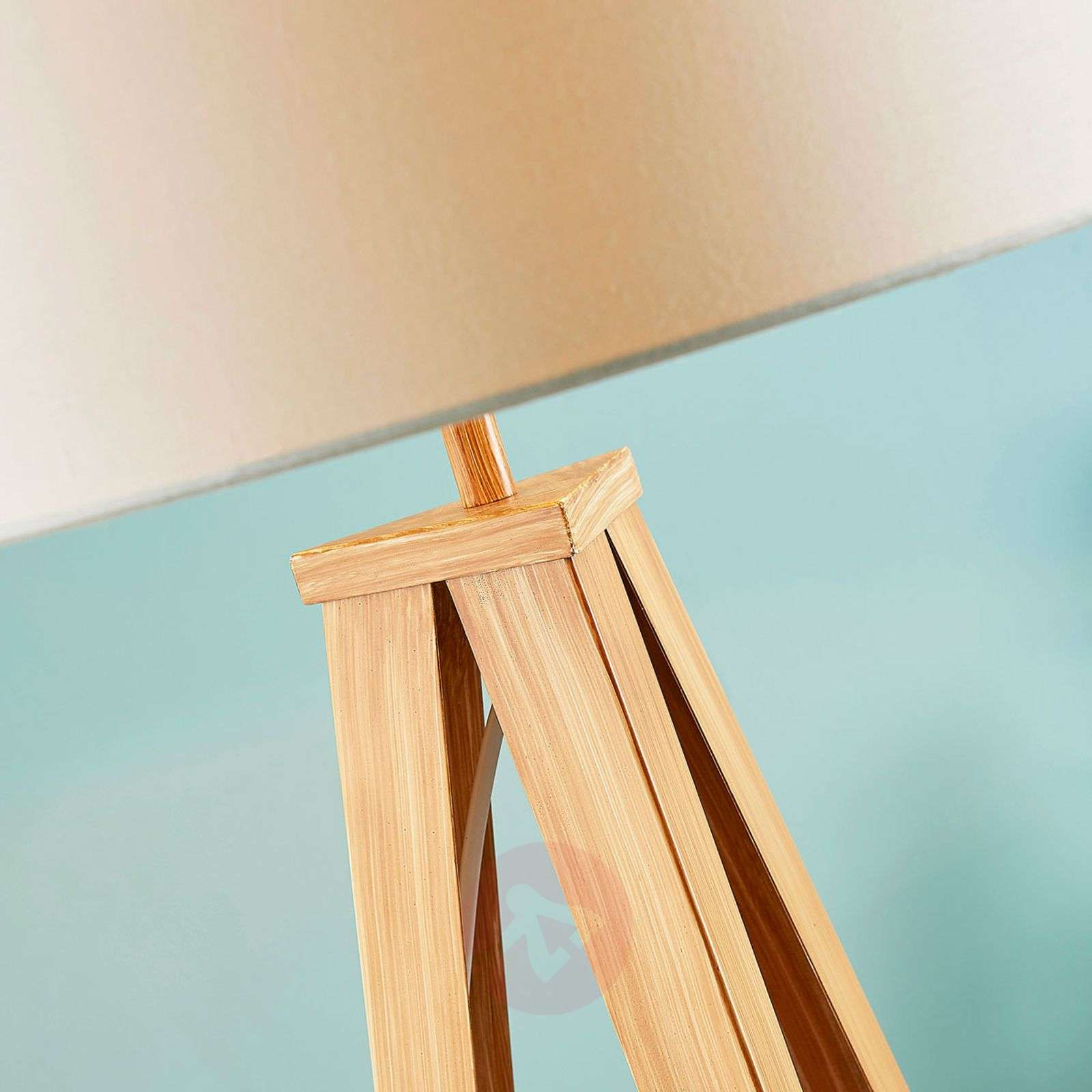 Benik floor lamp with wood-coloured tripod frame-9621286-02