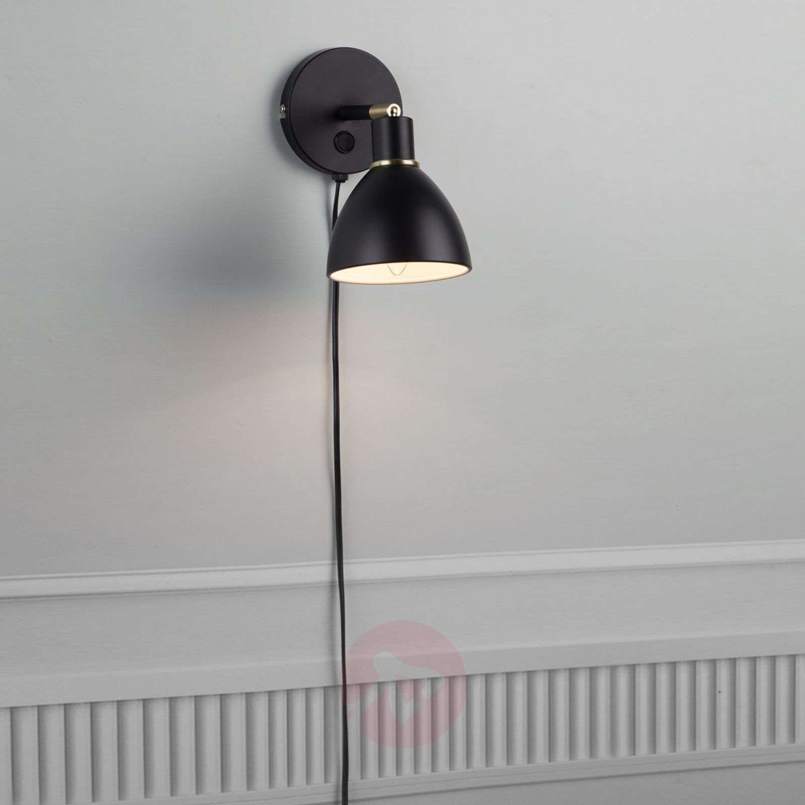 Black wall light Ray with a pivotable lampshade-7005984-02