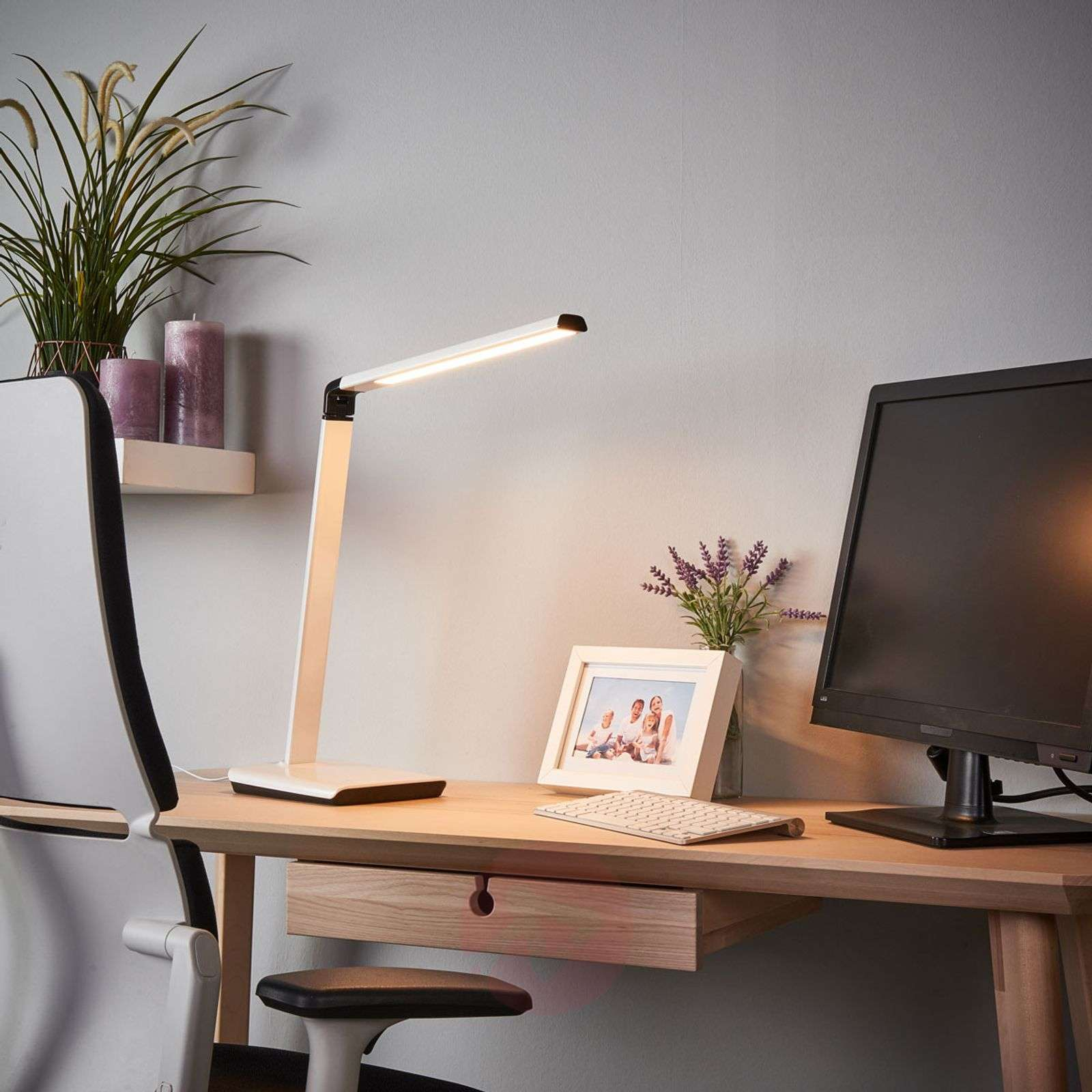 Dimmable LED desk lamp Kuno with USB port-9643034-02