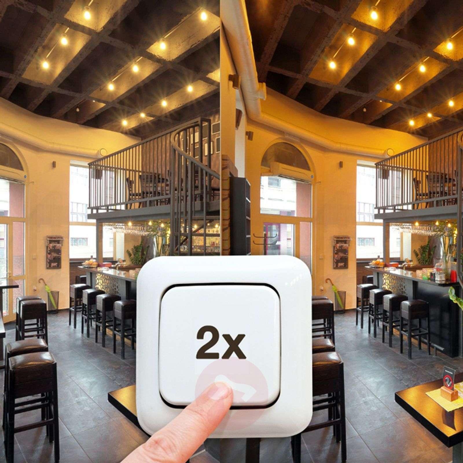 E27 10W LED bulb Dual Colour Relax (820/827)-6037111-01