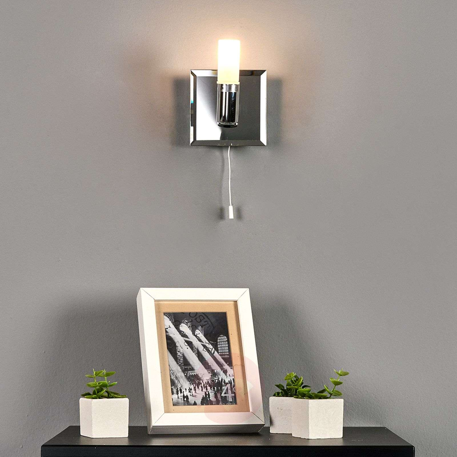 Elegant Jilian wall light with switch-9634028-010
