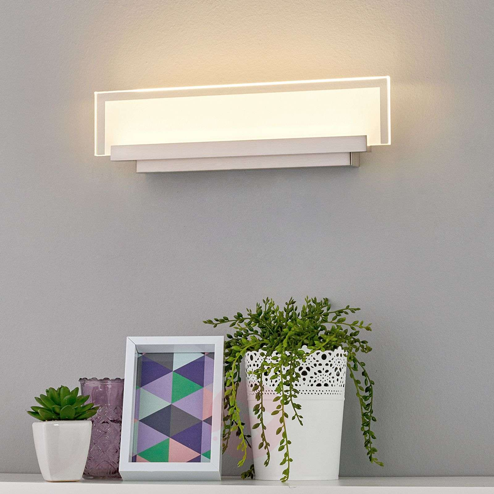 Elegant LED wall light Teja with a glass panel-9644084-01