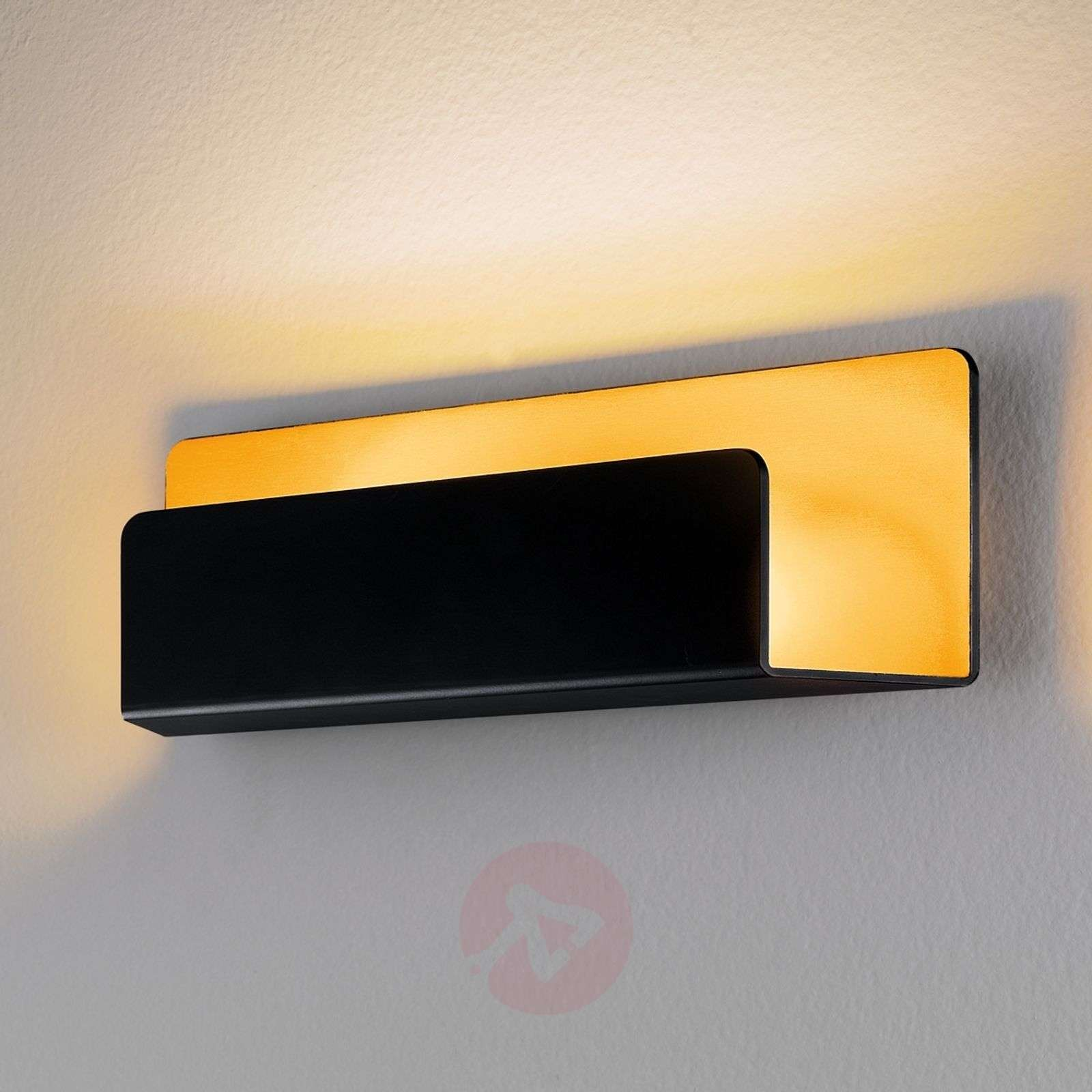 Elegant Rise wall light in gold and black, IP44-3023067-01