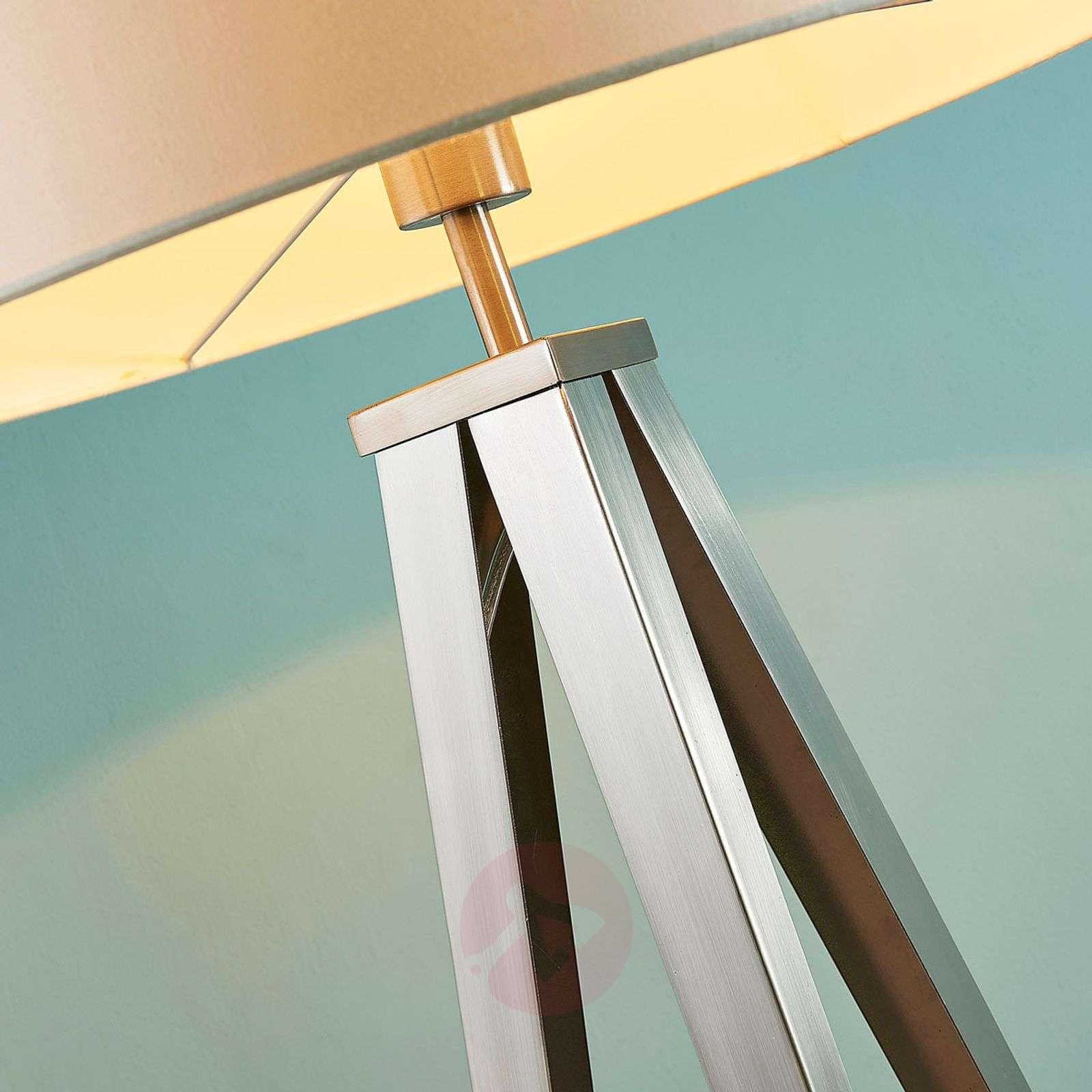 Elegant tripod floor lamp Benik-9621288-02