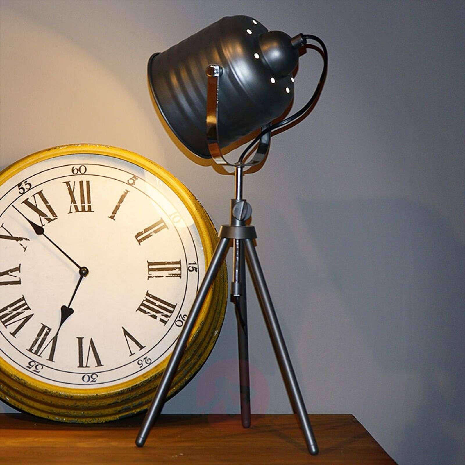 Eye-catching Studio table lamp-6054603-01