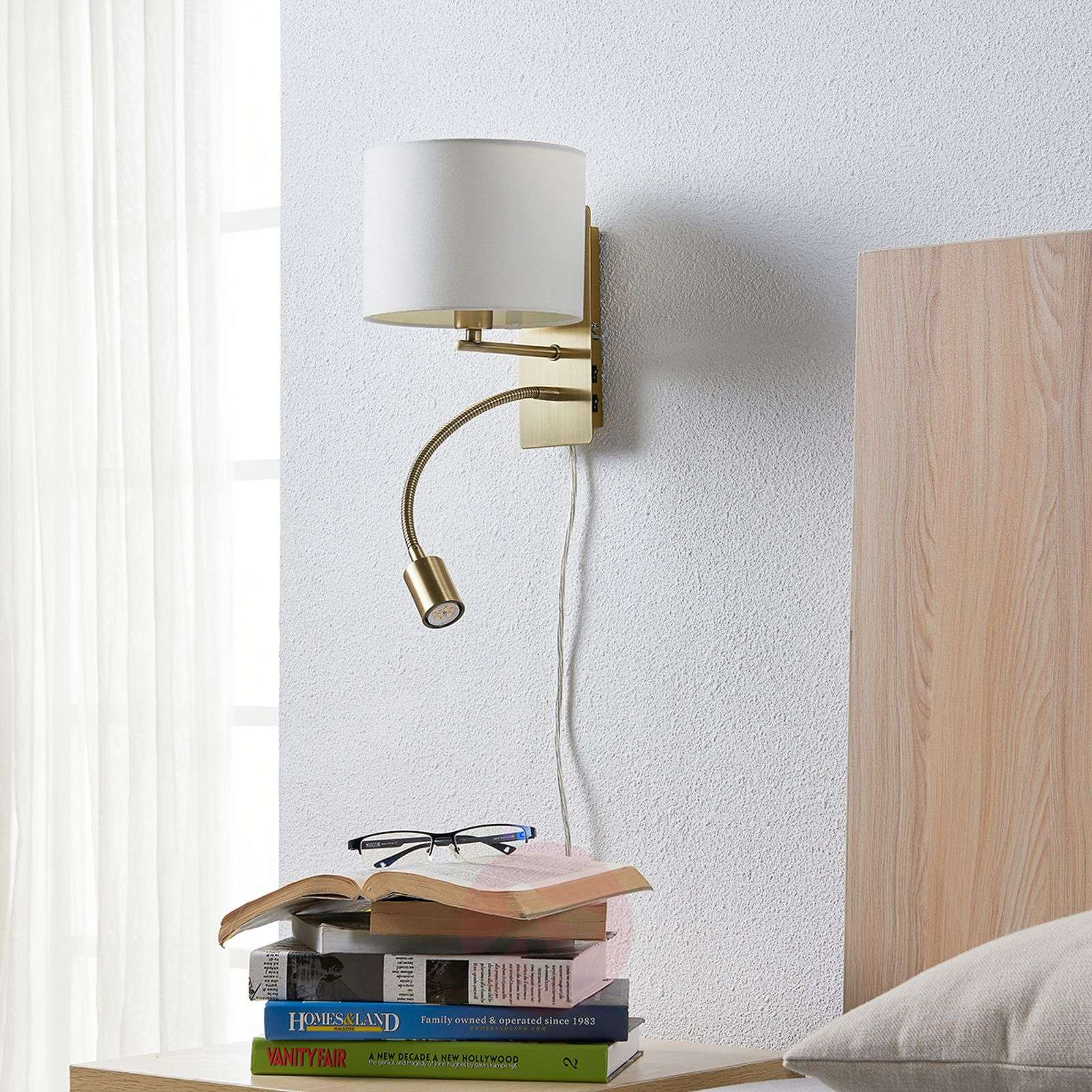 Fabric wall light Florens with a flexible LED arm-9620922-03