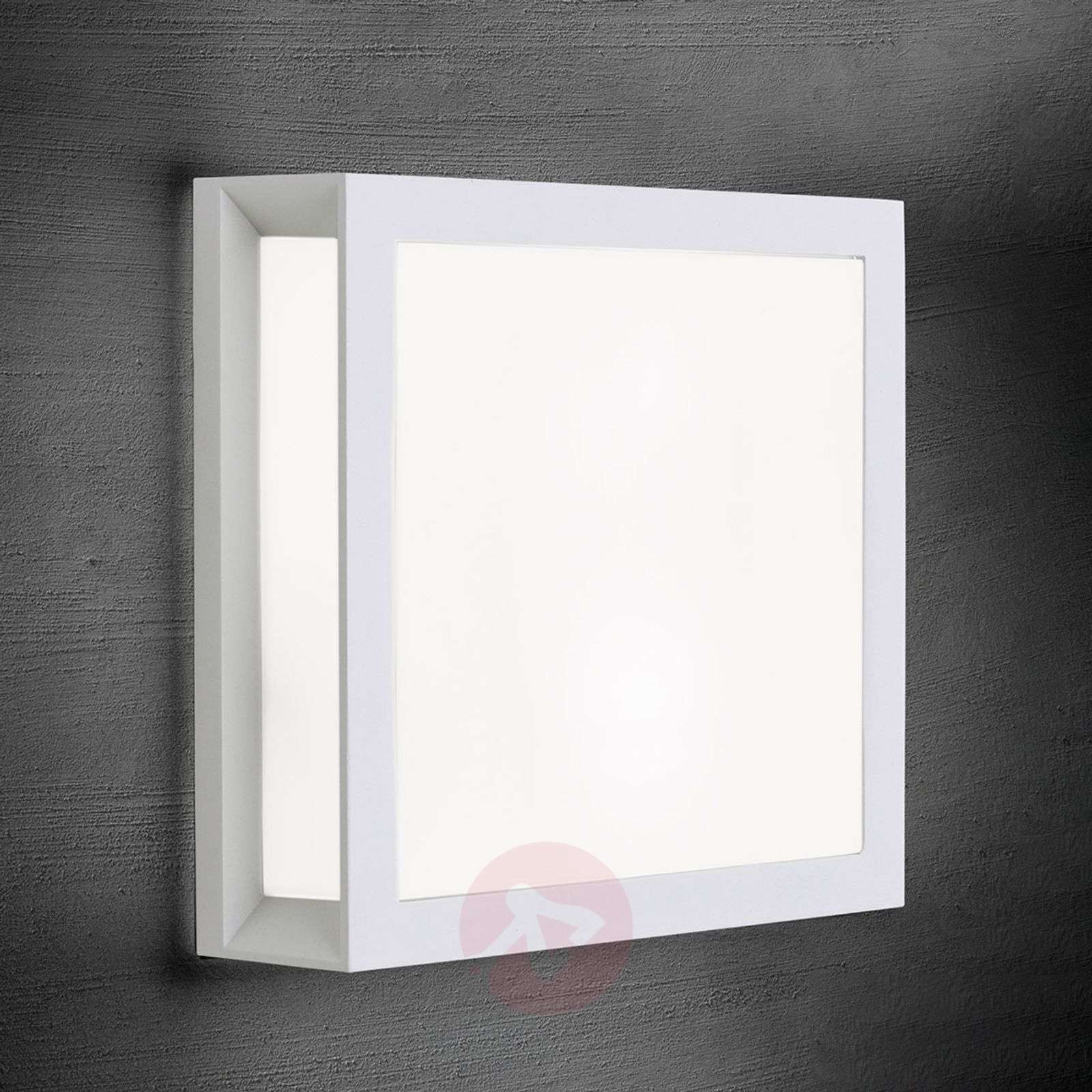 Henry square outdoor wall light in white-7255351-01
