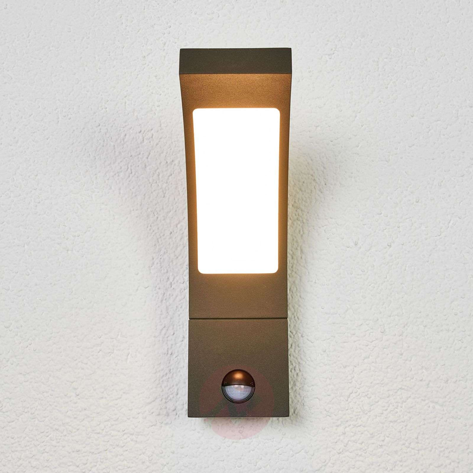 Juvia sensor outdoor wall light with LEDs-9619127-09
