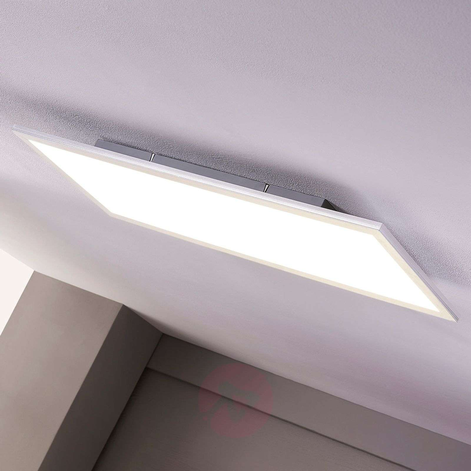 LED panel Liv with an elongated shape, cool white-9956002-01