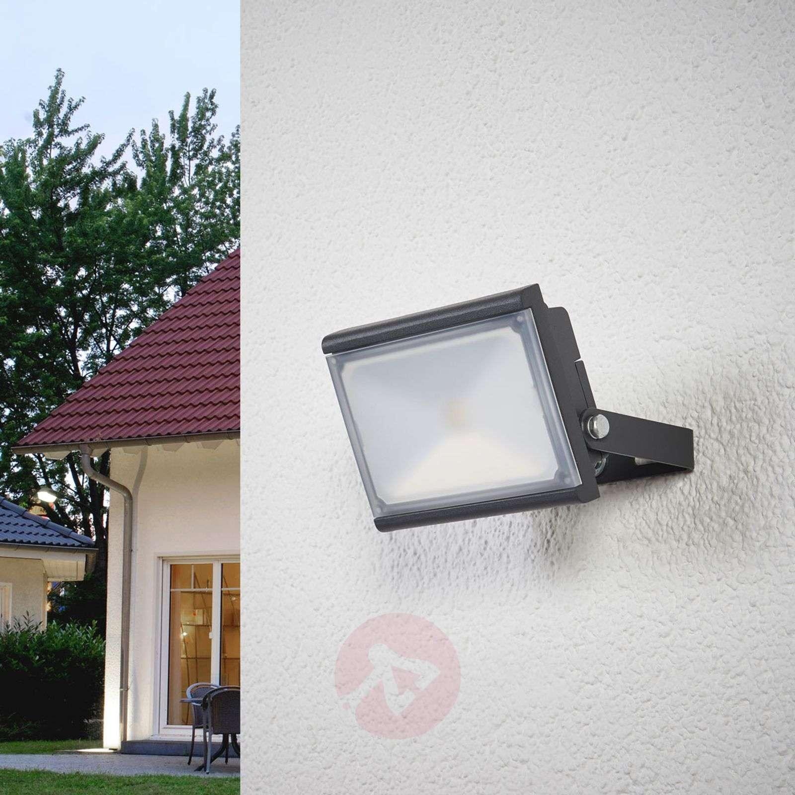 LED spotlight for outdoors-4018058-03