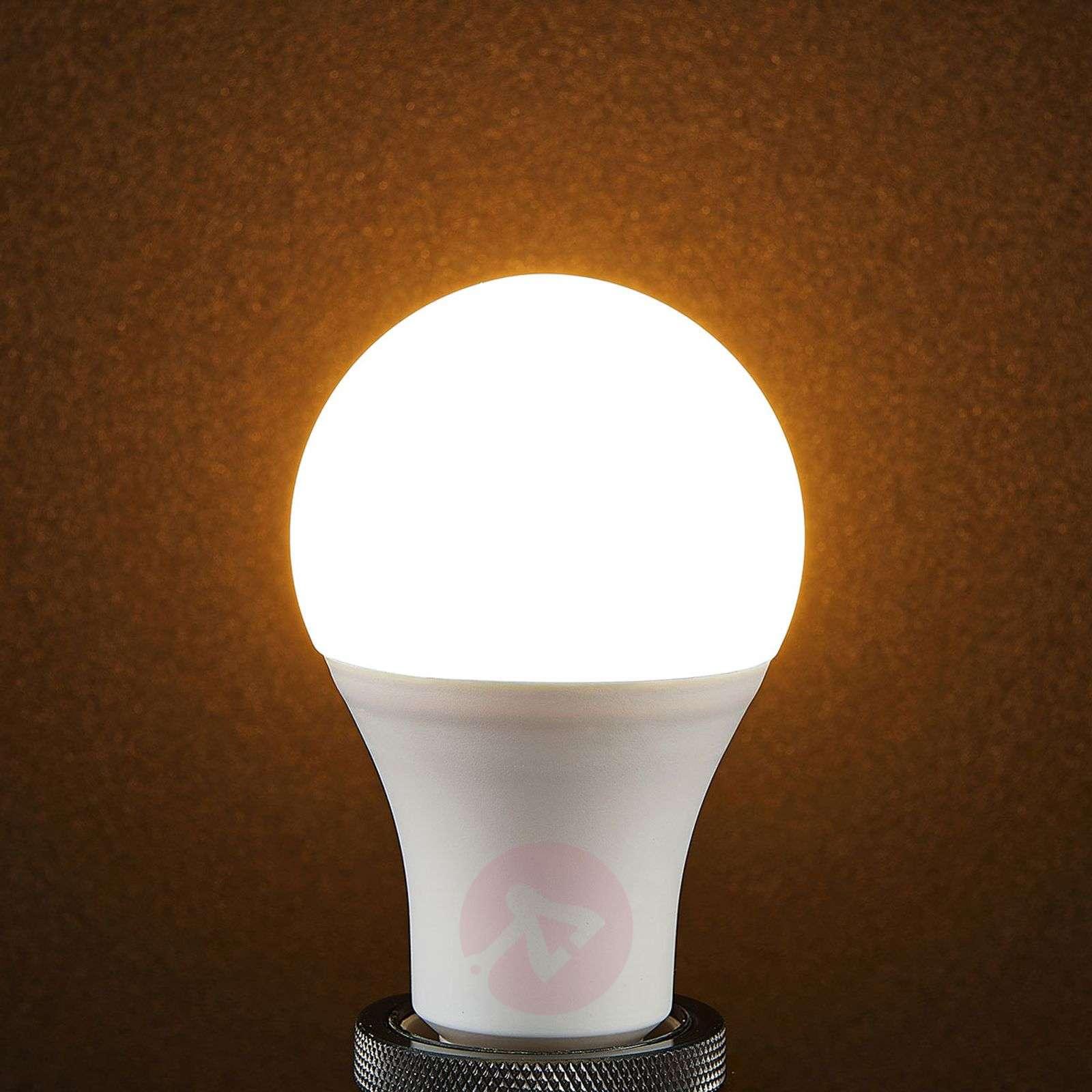 Lindby Smart LED bulb WiFi E27 10 W, 2,700 K, RGB-9971013-09