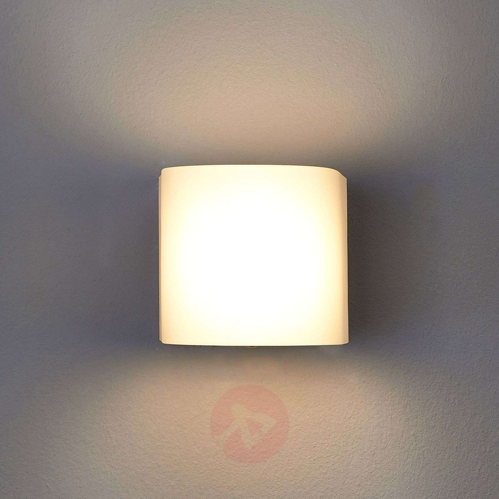 Lukes LED Wall Light Timeless Beautiful Warm White-9614033-01