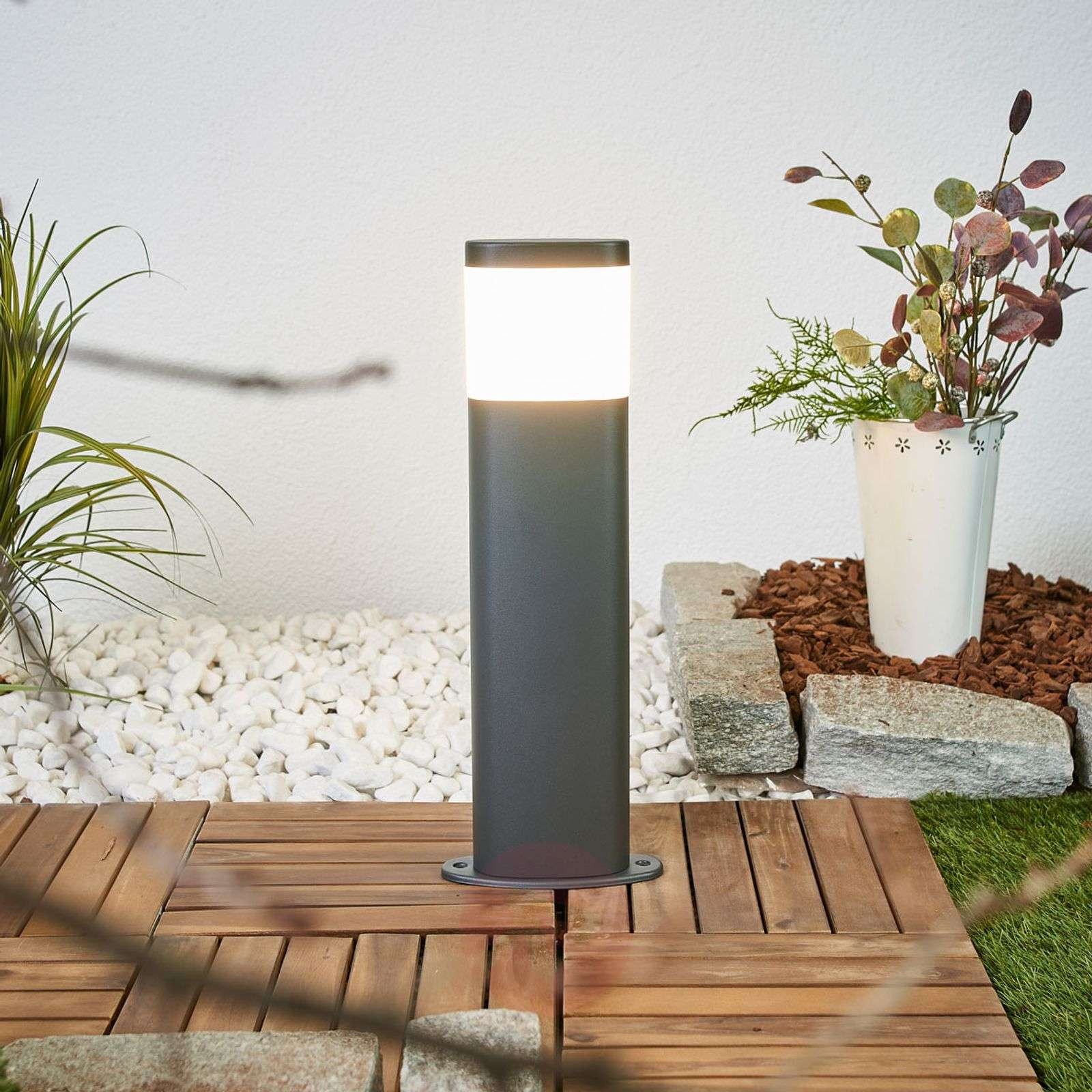 Marius LED outdoor pillar lamp-9988170-01