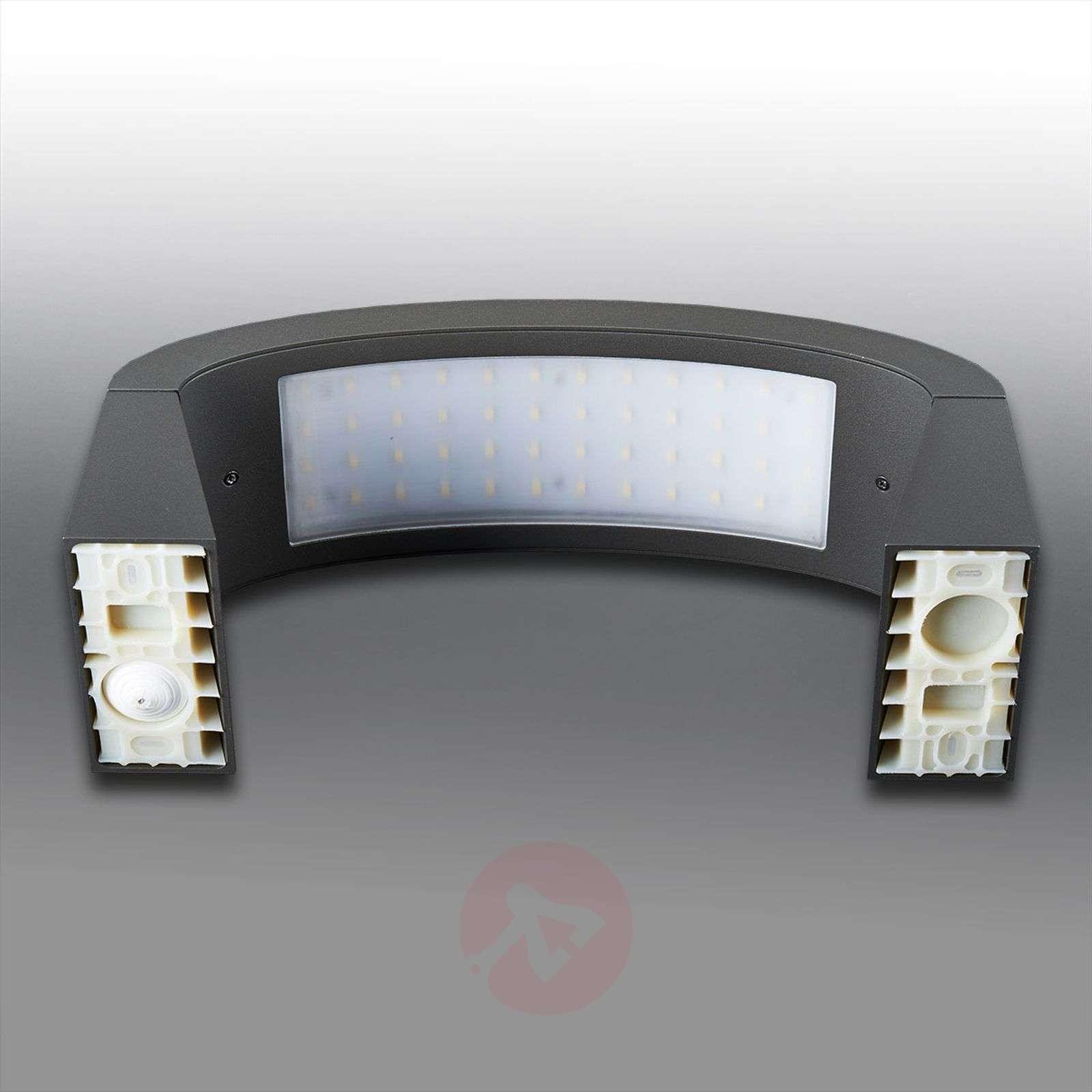 Peppa, Elegant LED Exterior Wall Lamp, IP54-9619001-01