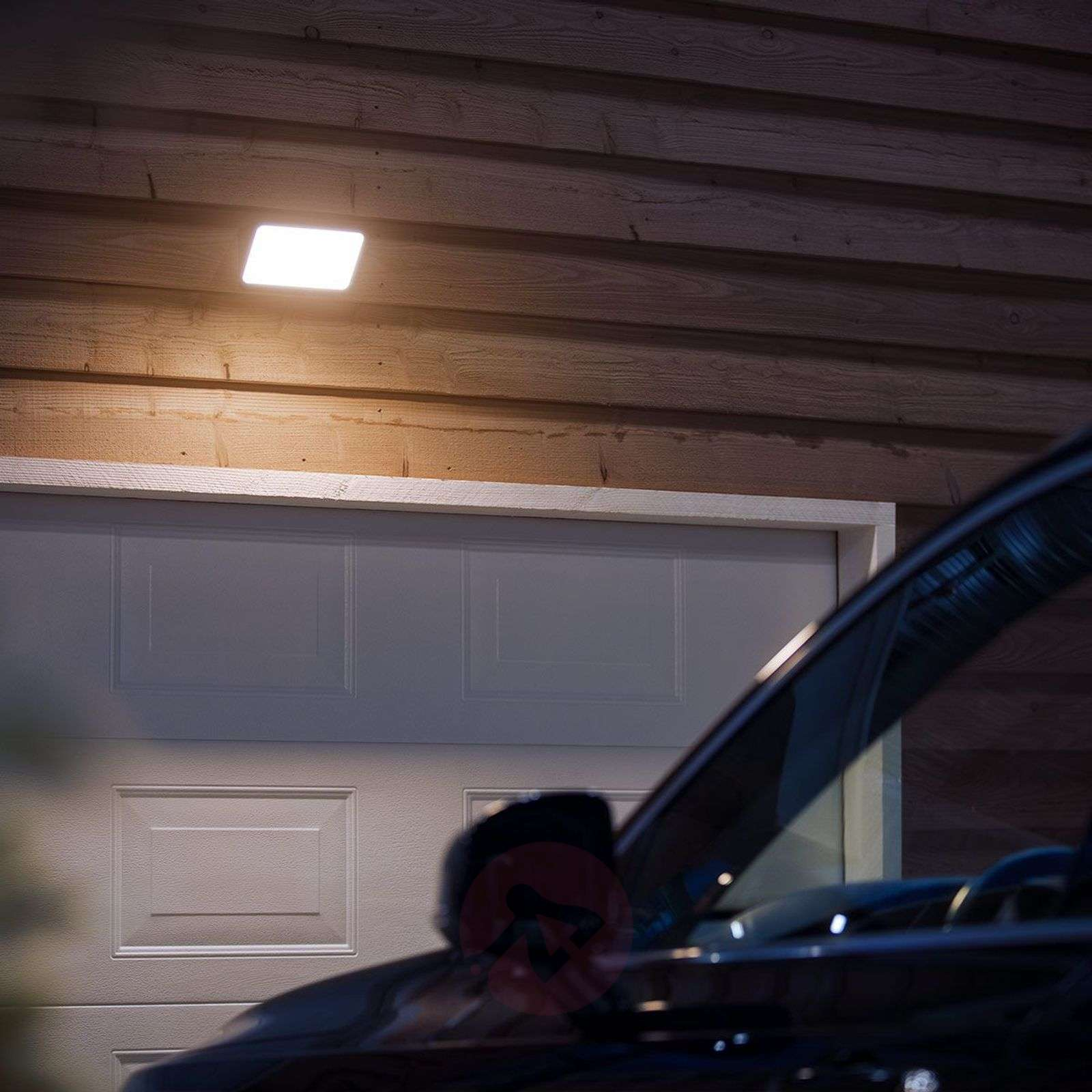 Philips Hue White Welcome outdoor spotlight 2300lm-7534101-02