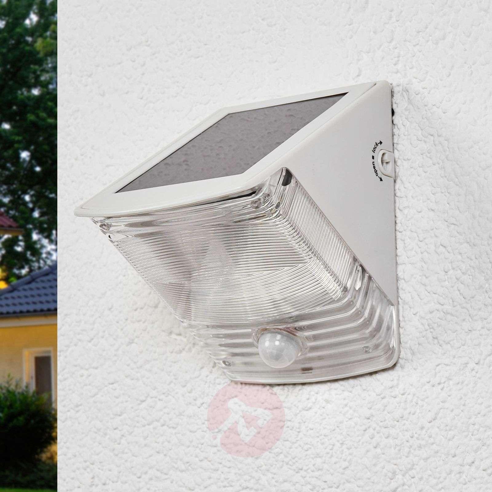 SOL 04 IP44 solar LED wall light, white-1540164-02