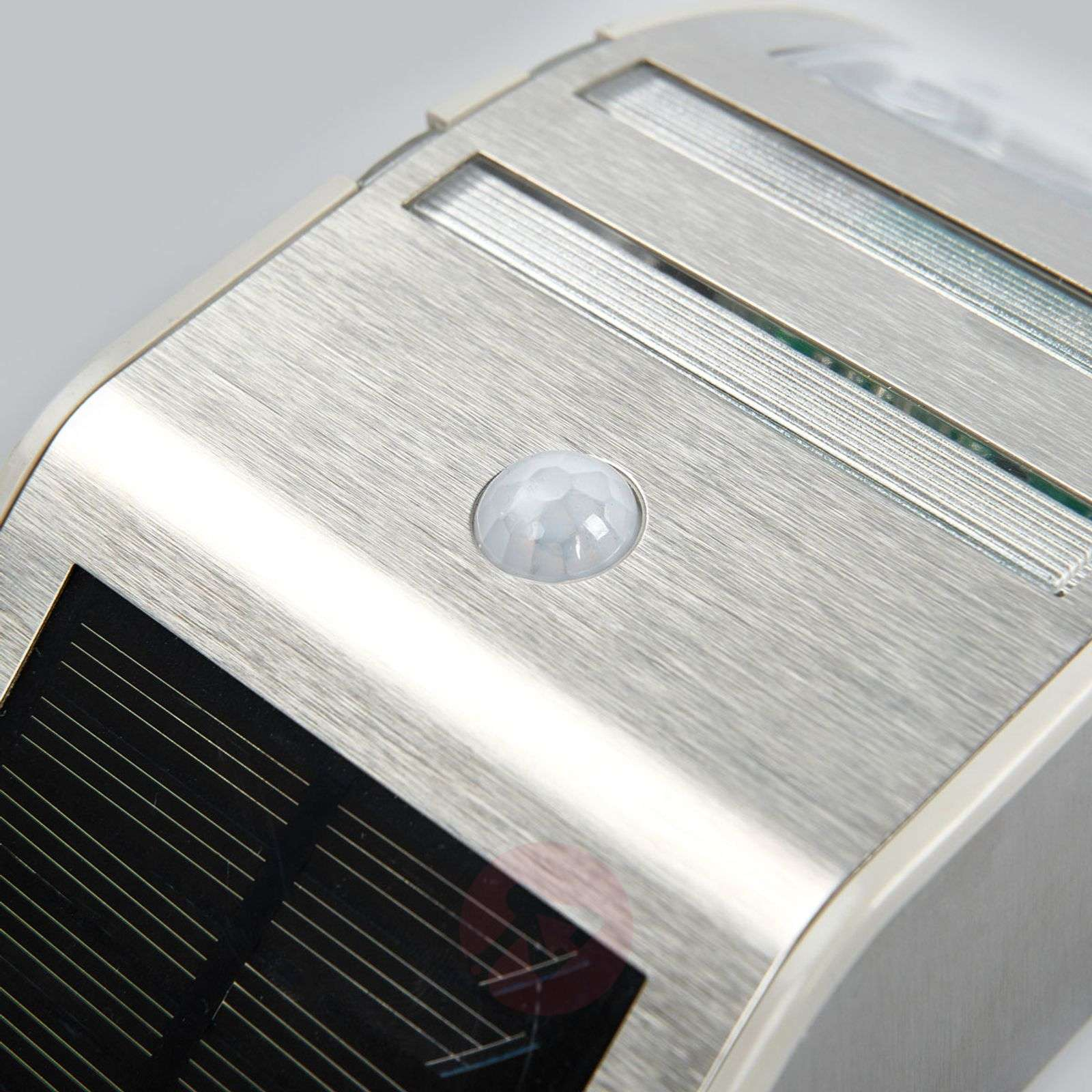 Sol WL-2007 LED solar wall light with MD-1540155-01