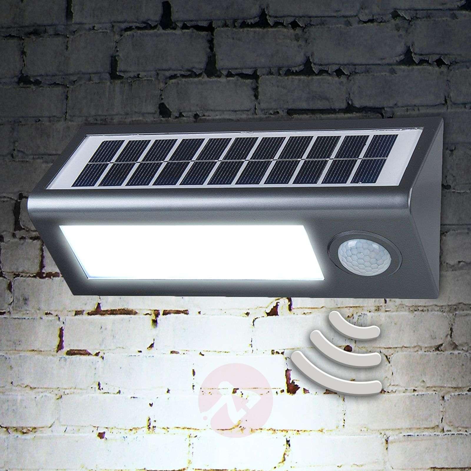 Solar outdoor wall light Okkea with motion sensor-4014990-01