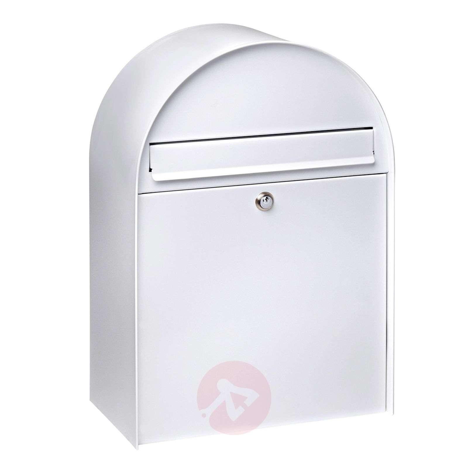 Spacious letter box Nordic 680_1532139_1
