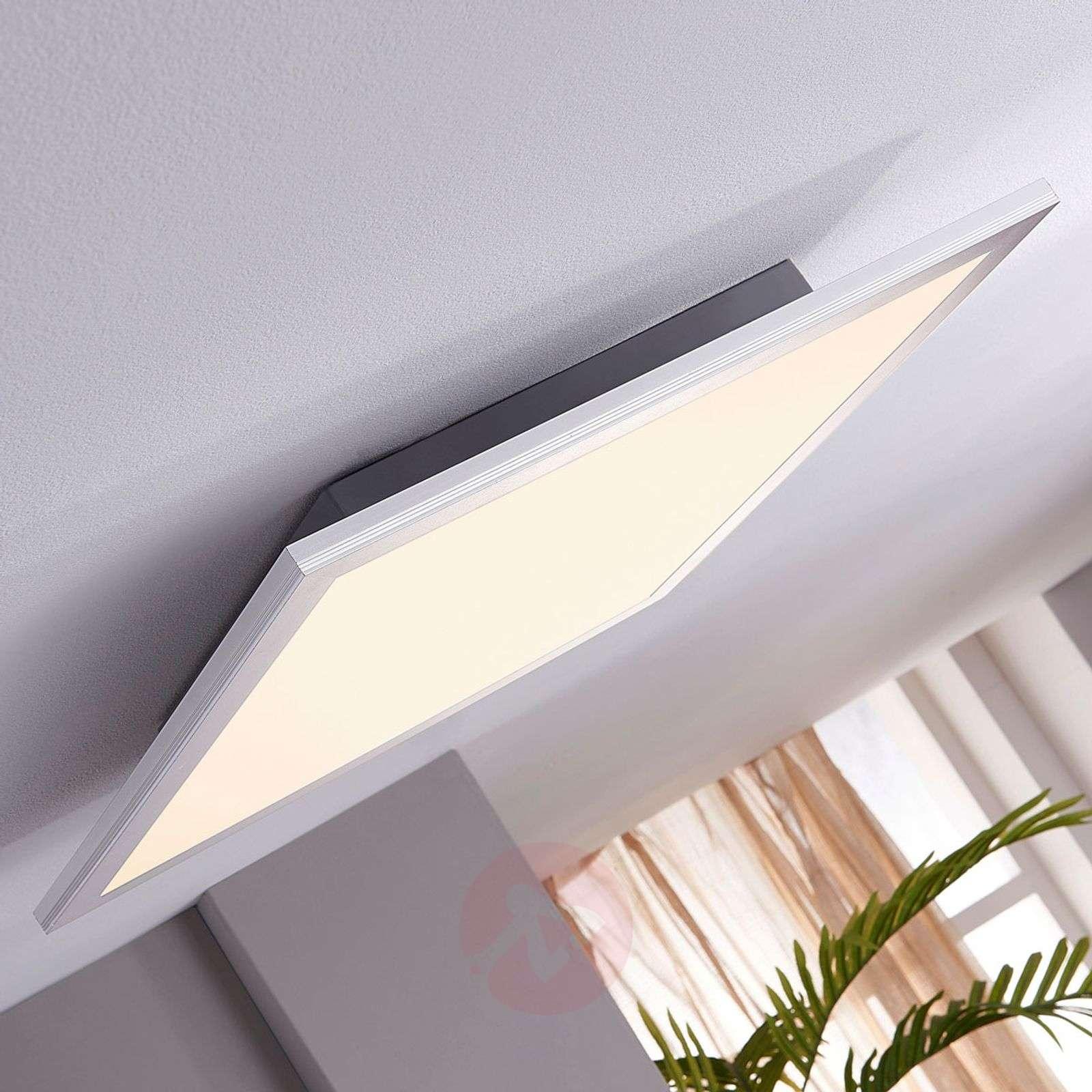 Square LED ceiling light Liv, 28 W-9956001-01