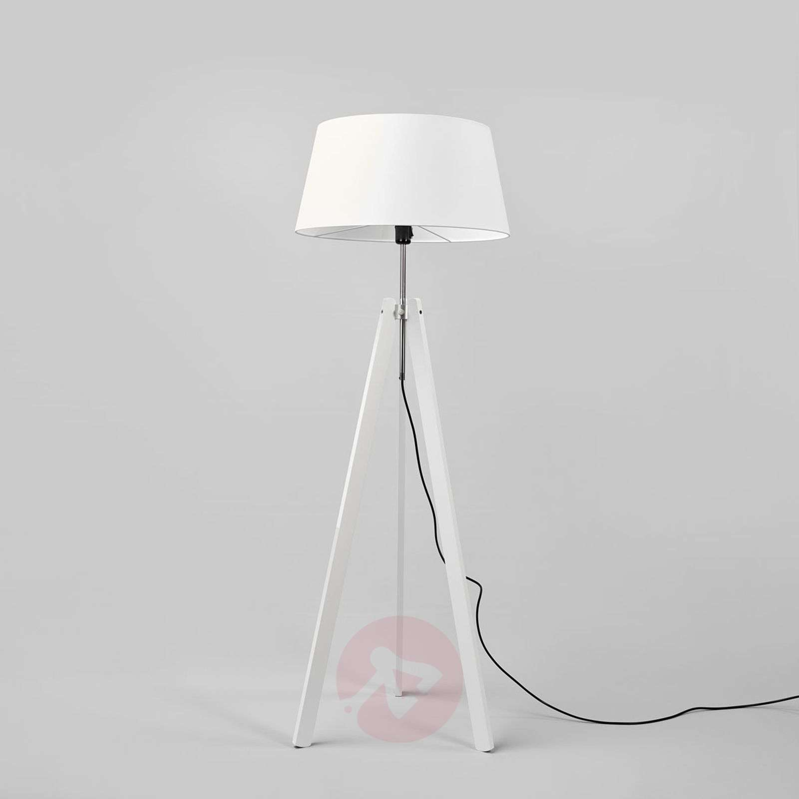 Thea tripod floor lamp with wooden legs-6722428-01
