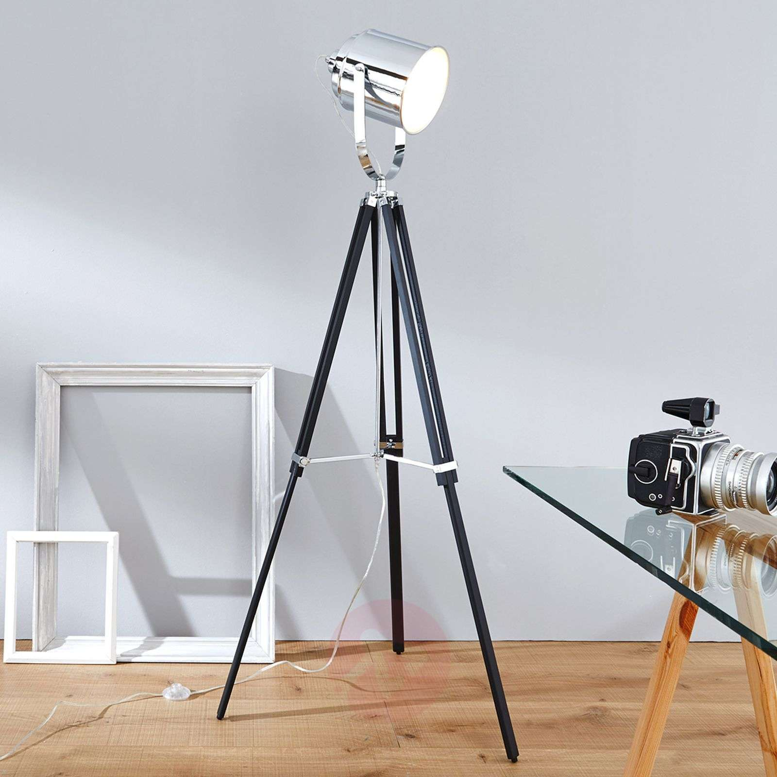 Tripod spotlight METTLE-1507194-01