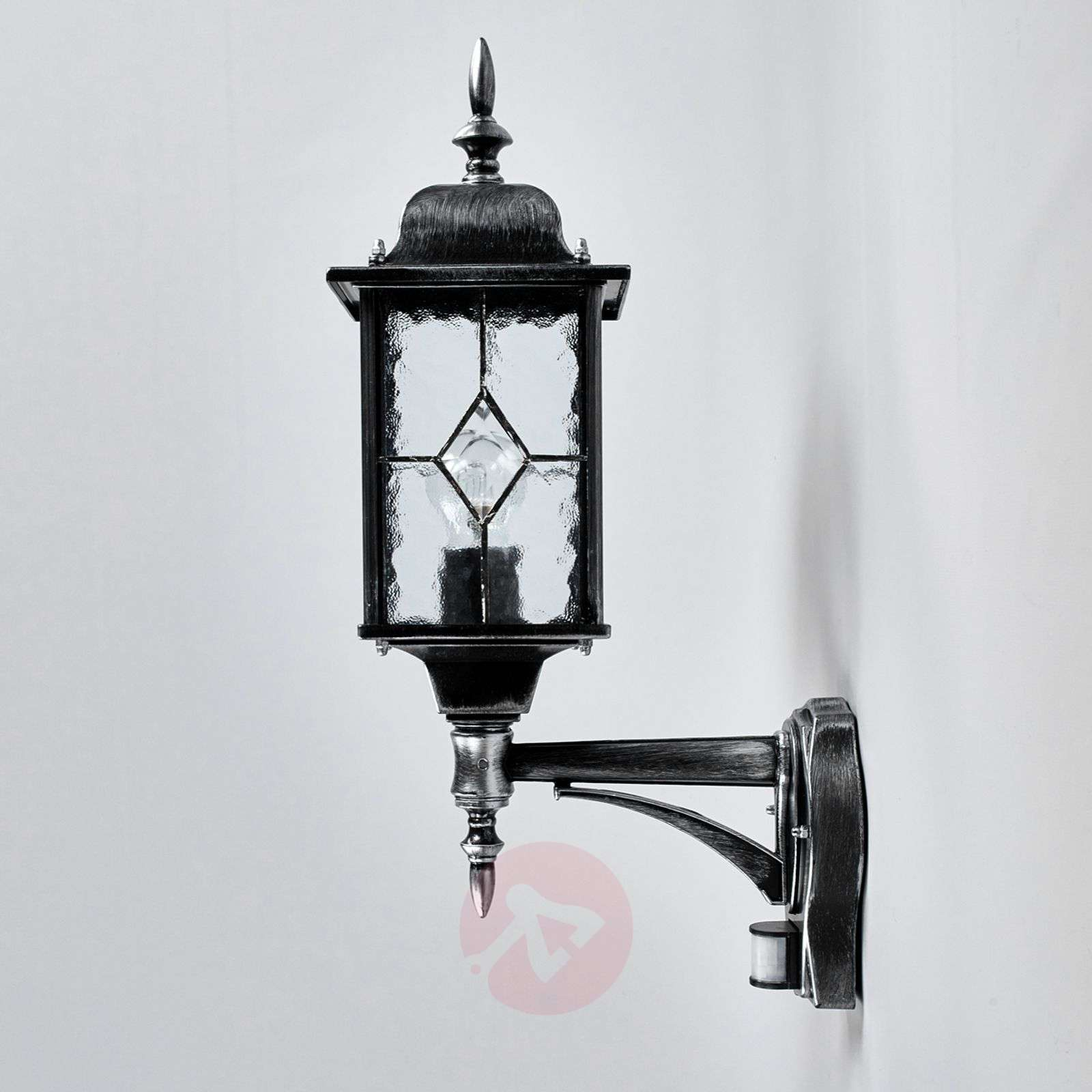 Wexford Outside Wall Light Robust-3048207-02