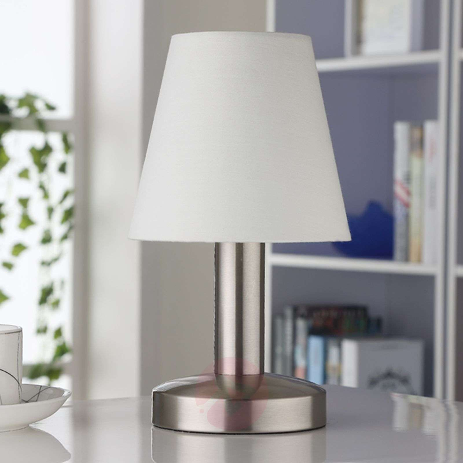 White fabric bedside table lamp Hanno-9620810-01