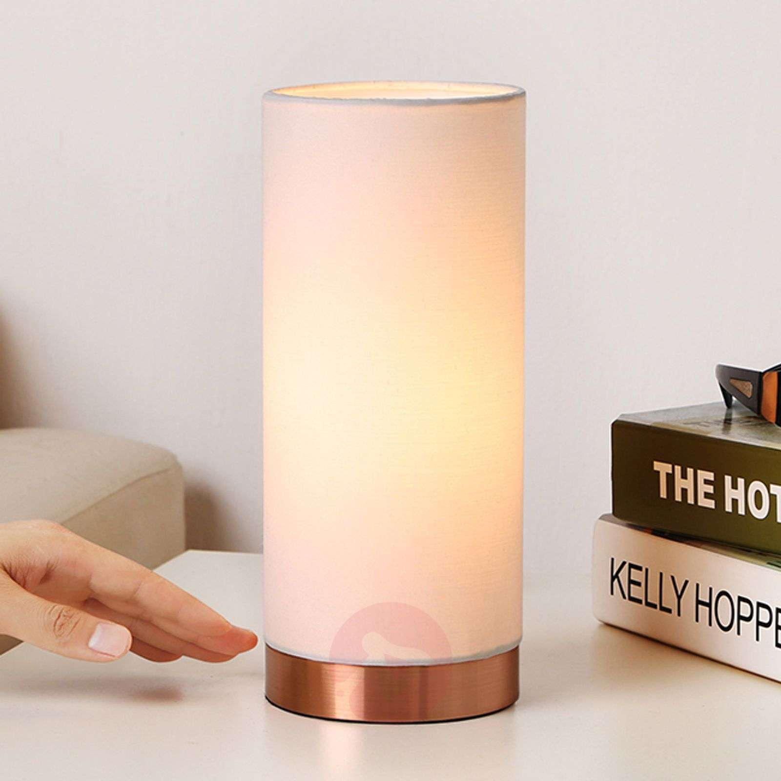 White table lamp Ronja with a copper-coloured base-9620840-01