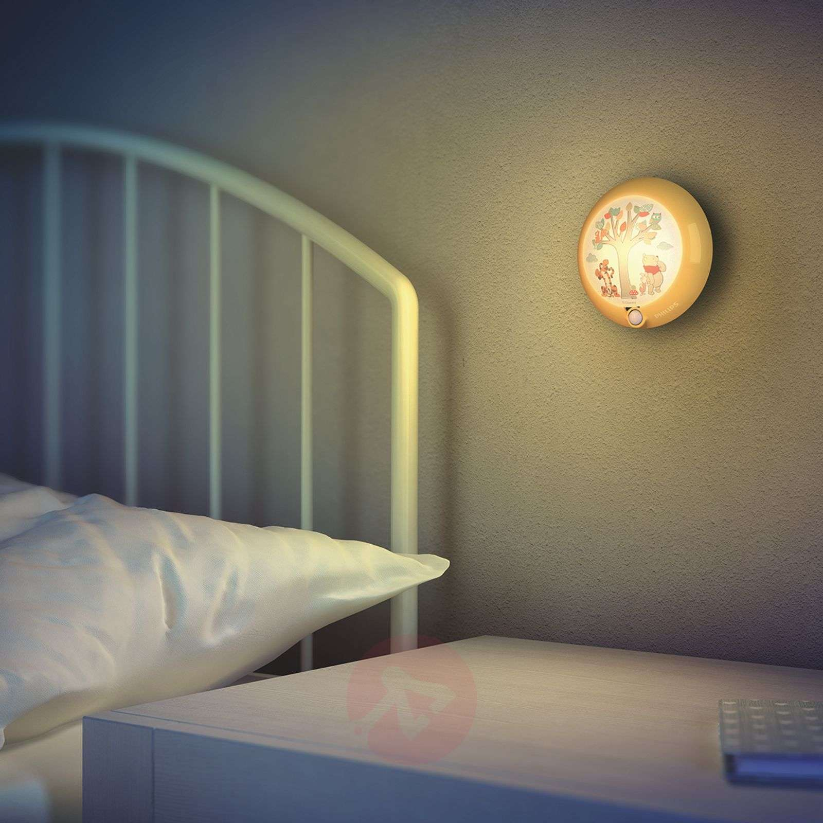 Winnie the Pooh LED night light, motion detector-7531543-01