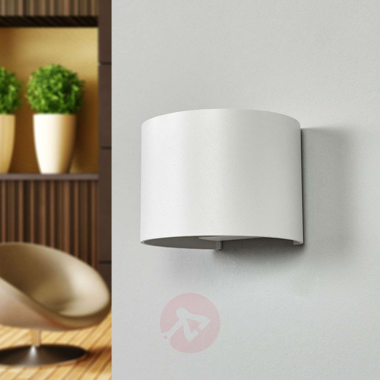 Xio LED wall light in white-6055296-011