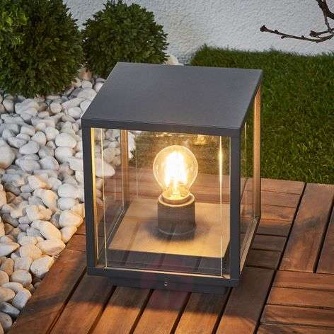 Angular pillar lamp Annalea with glass panes