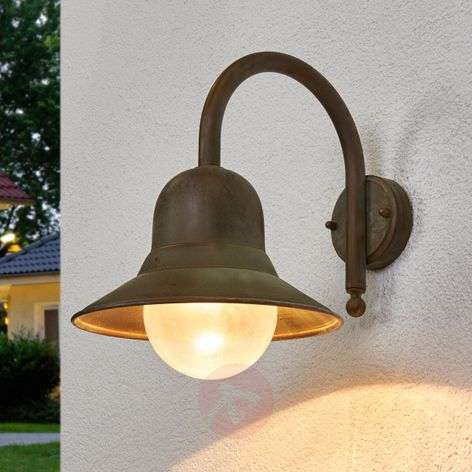 Antique-looking outdoor wall light Marquesa