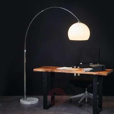 Attractive arc floor lamp Fjella