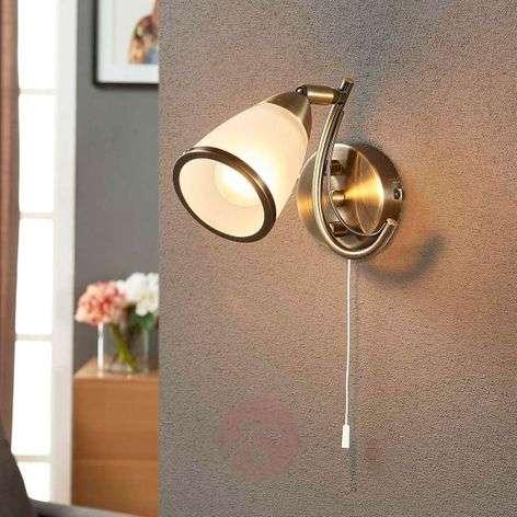 Attractive wall light Irma, antique brass