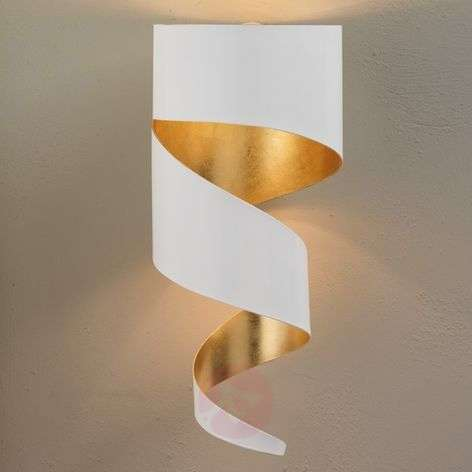 Attractive wall light Remi with gold leaf