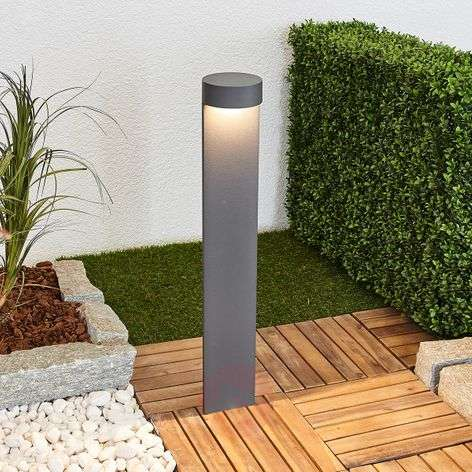 Bega Bennet - LED path light with a round head