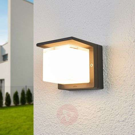 Bega LED outdoor wall lamp Erik dimmed on one side
