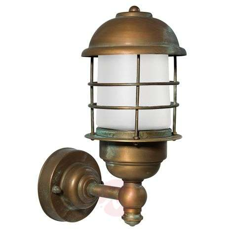 Brass outdoor wall lamp Amando, seawater-resistant