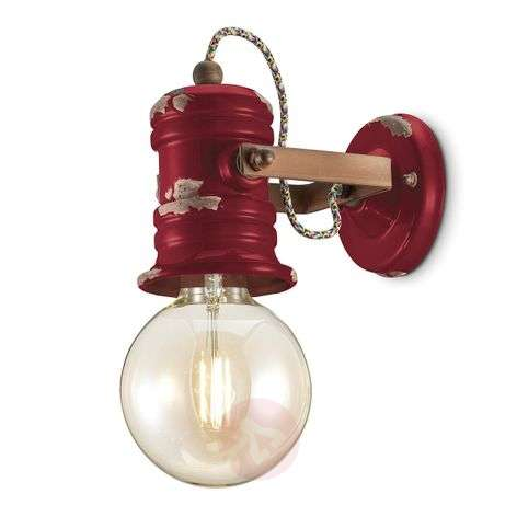 C1843 wall light with a vintage design