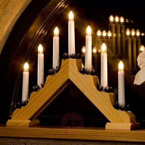 Candleholder made of light wood with 7 bulbs