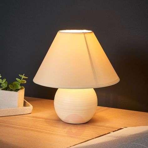 Cream-coloured Kaddy table lamp with ceramic base-6054940-31