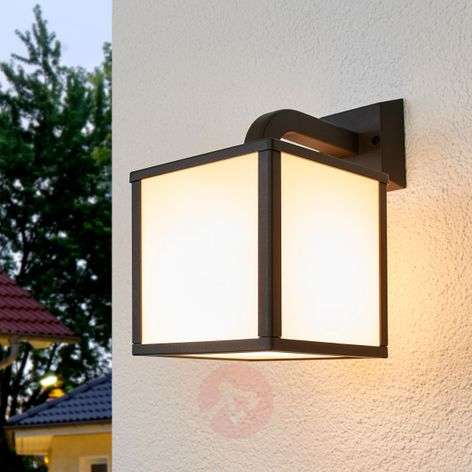 Cubango - a modern LED outdoor wall light