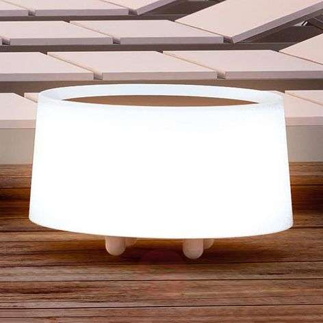 Dot - an illuminated table for outdoors