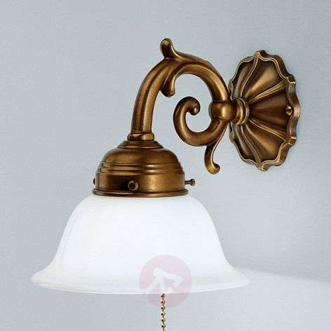 EDGAR brass wall light with chain pull