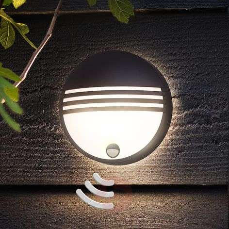 Efficient LED outdoor wall light Yarrow, sensor