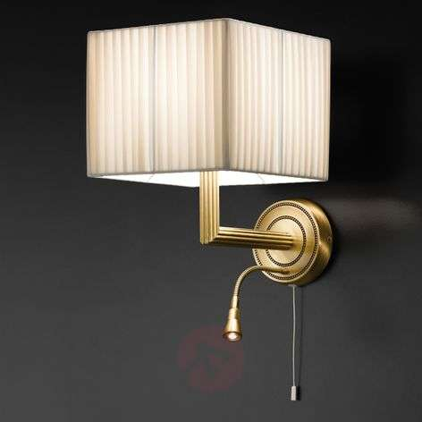 Enchanting Imperial wall light w LED reading light